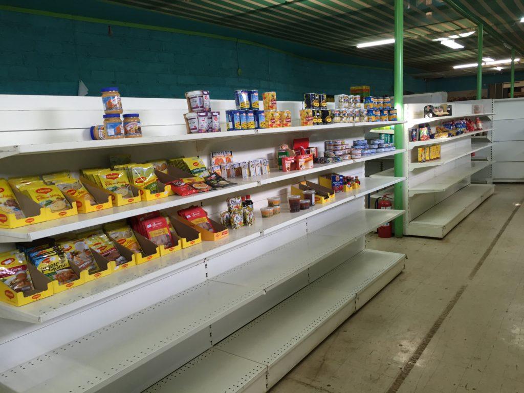 Hanga roa grocery store aisle