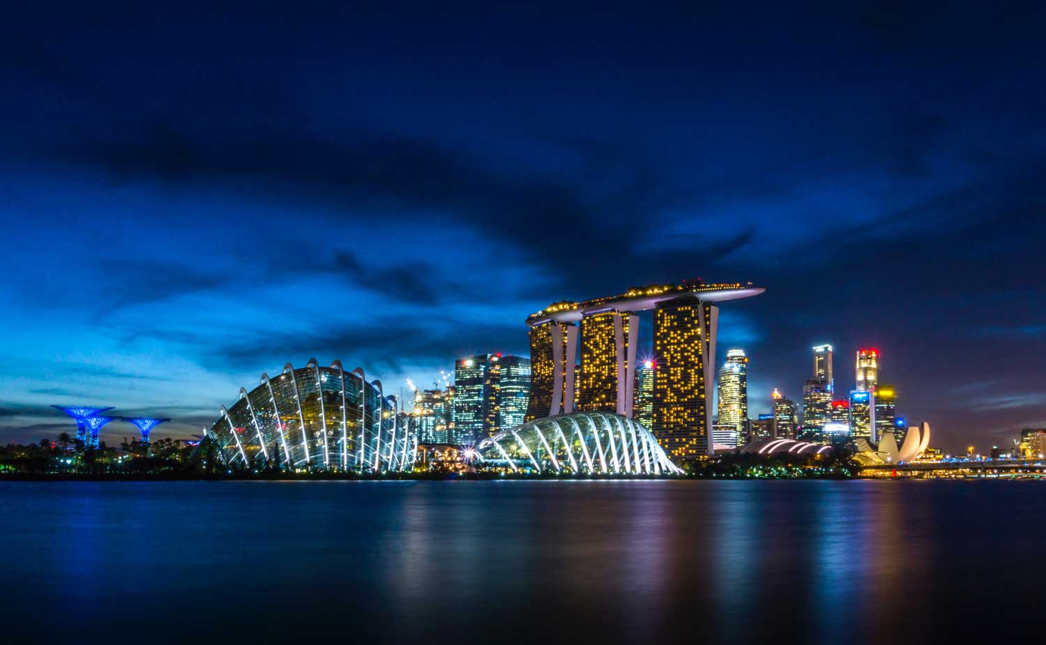 Marina bay sands hotel singapore the ultimate upgrade for Singapour marina bay sands piscine