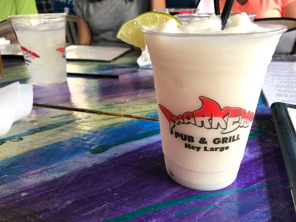 Diving in Key Largo - Eat at Sharkeys