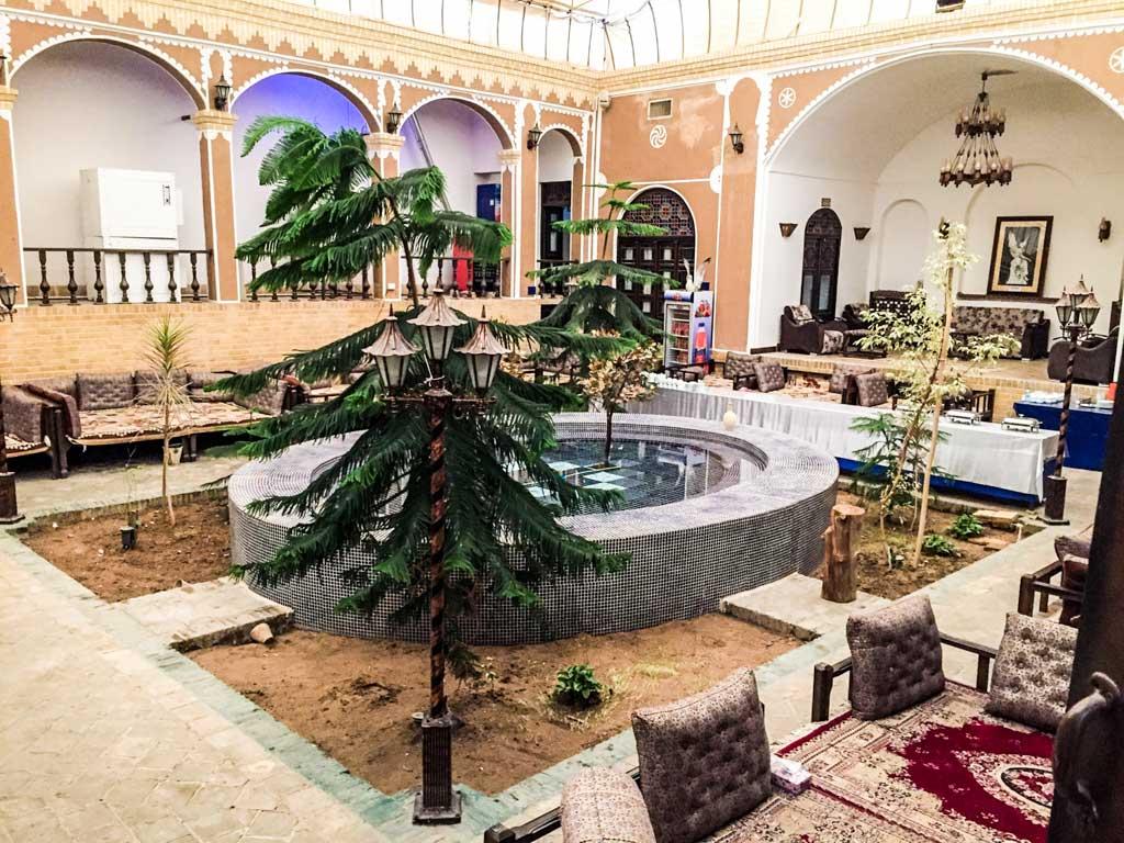 Rose hotel Yazd - Rose hotel courtyard