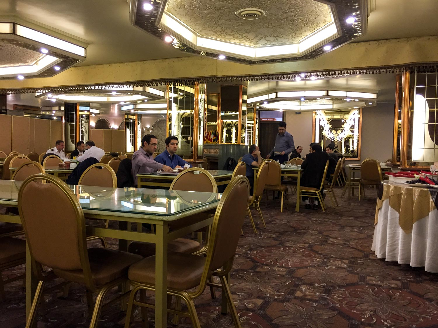 Setareh Hotel Isfahan - The restaurant are was very nice and comfortable.