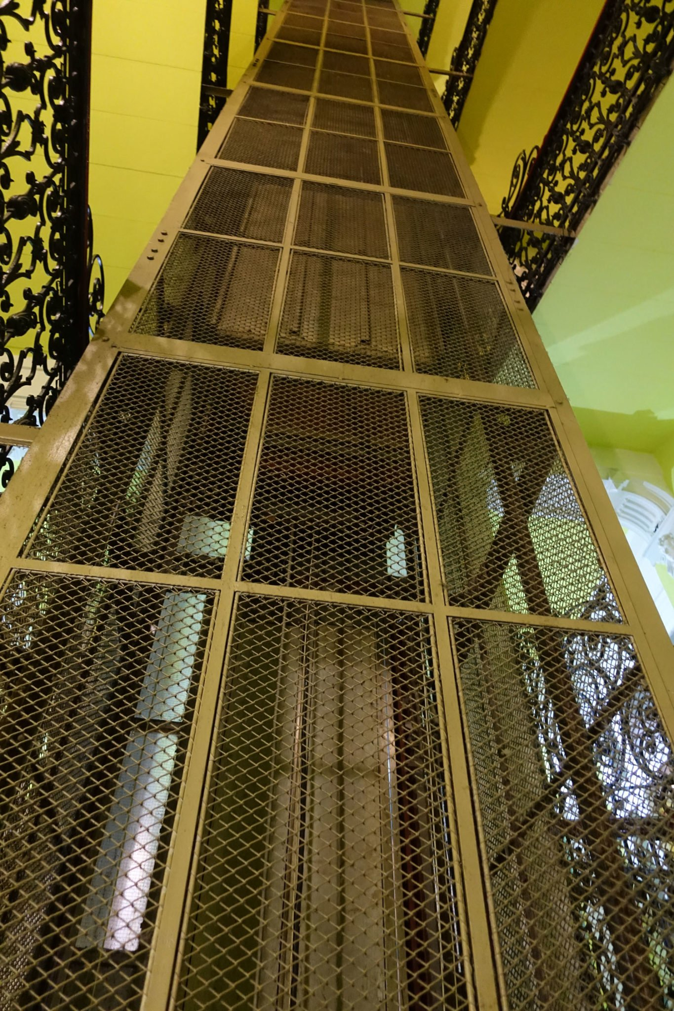 full moon design hostel budapest elevator