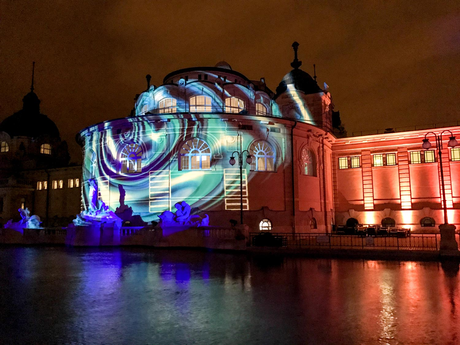 Budapest Pool Party light show