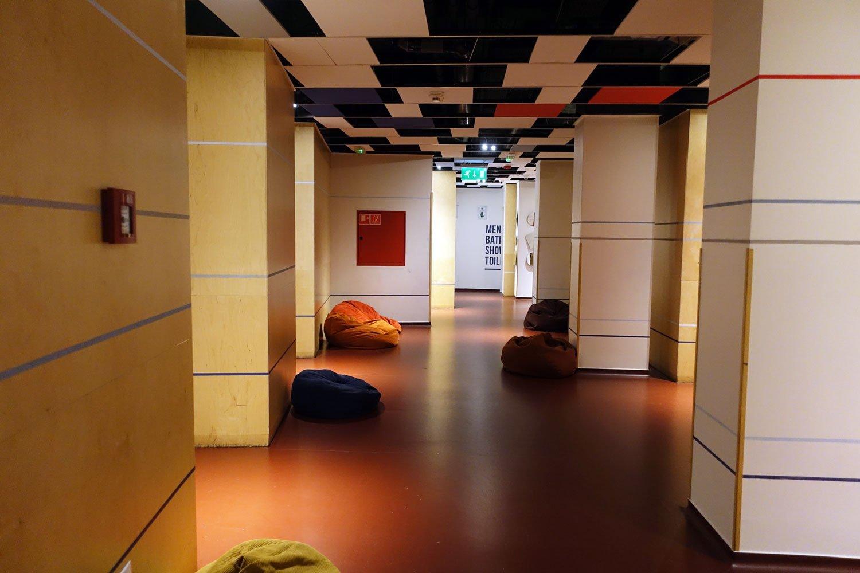 budapest maverick lodge hostel corridor