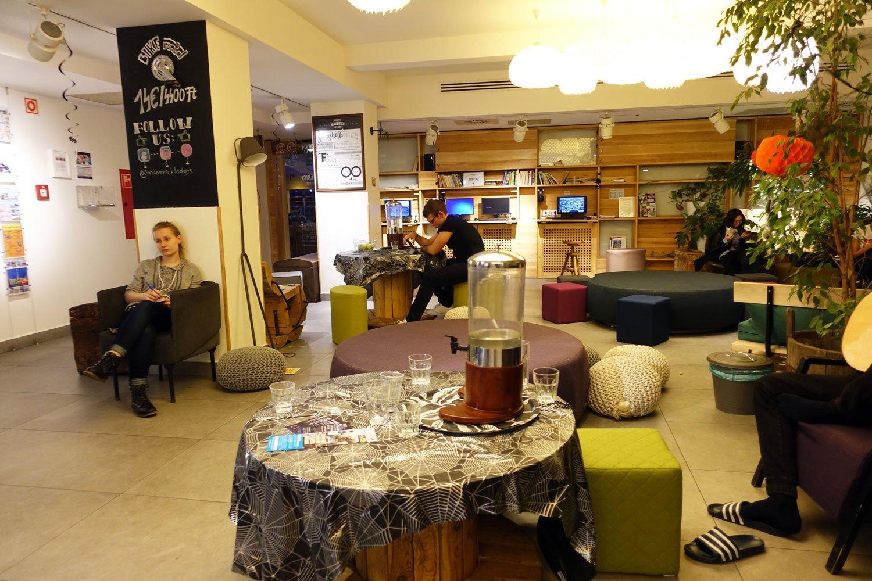 budapest maverick lodge hostel lobby