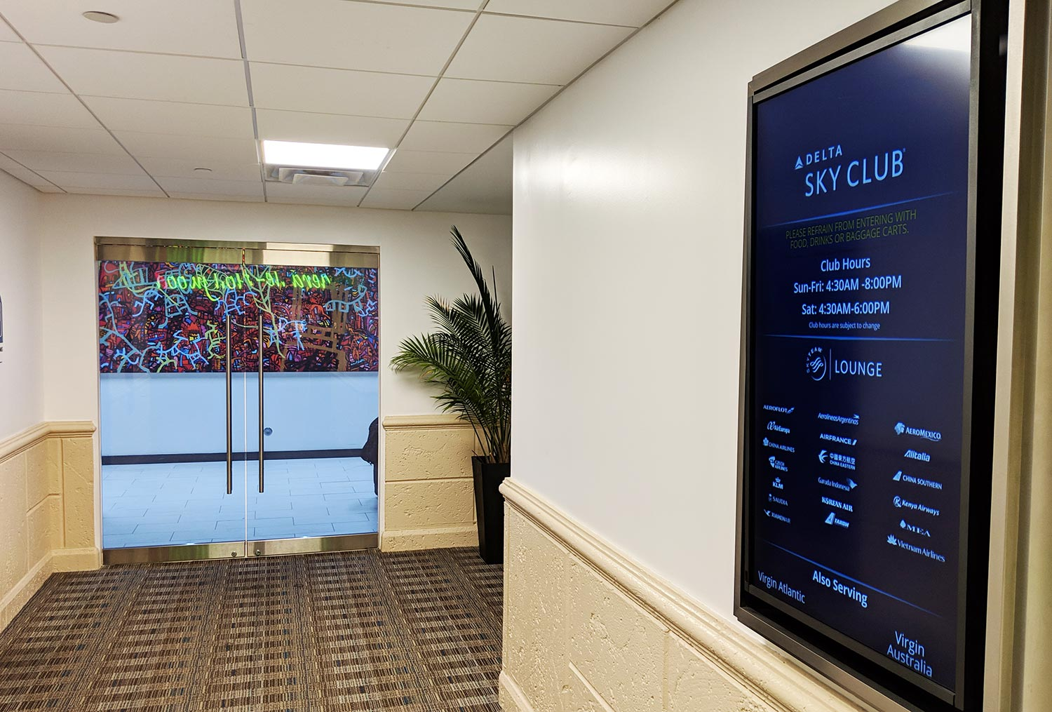 Delta Sky Club in Fort Lauderdale - new entrance